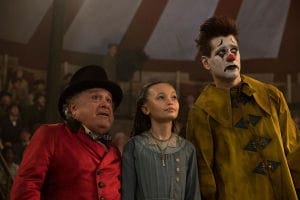 Danny DeVito, Niko Parker, and Coin Farrell in Dumbo (2019)