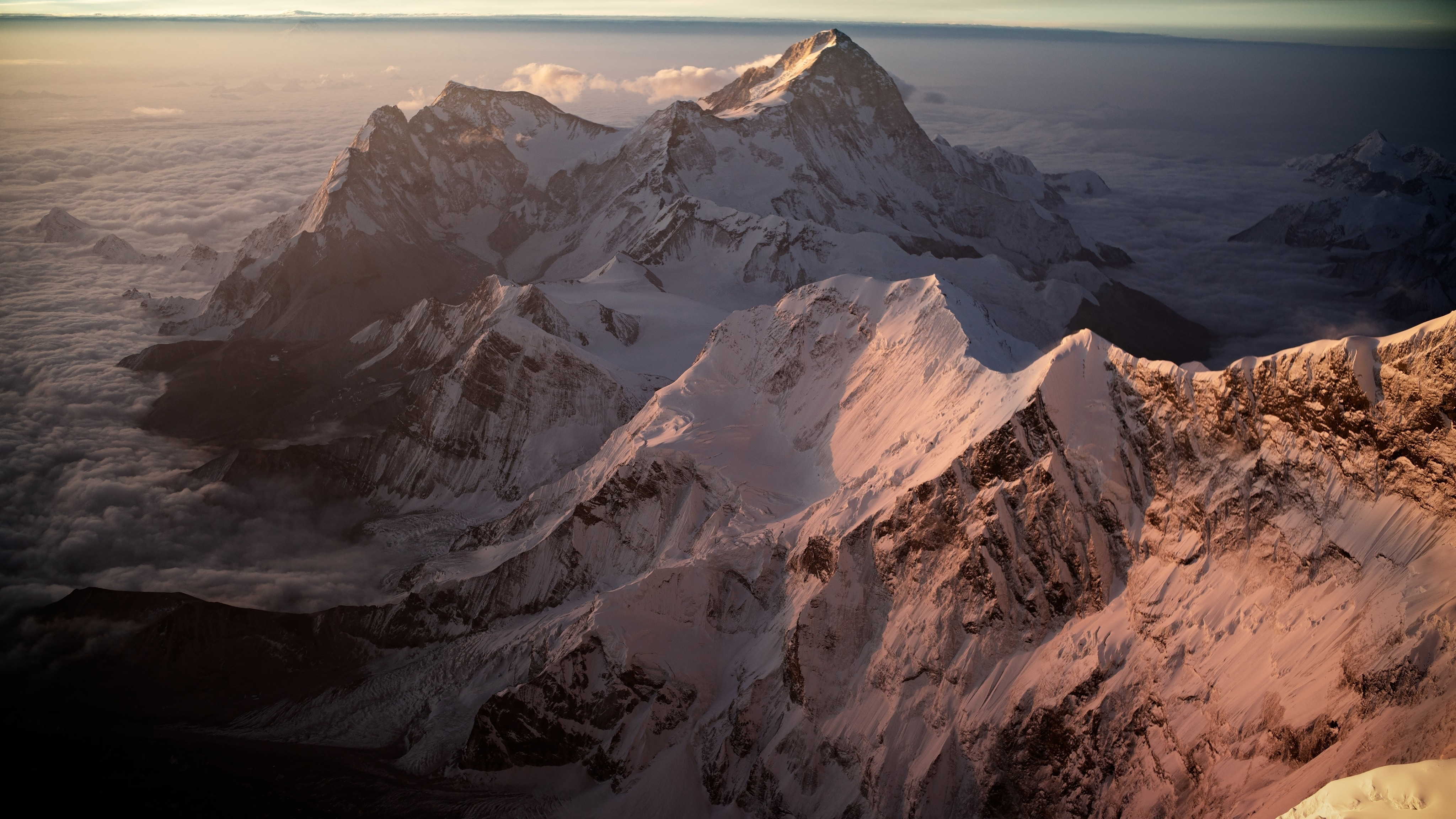 Lost on Everest Image