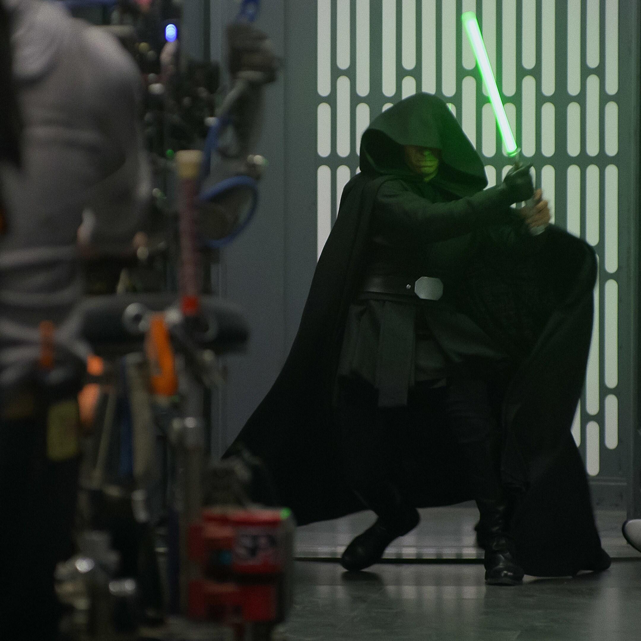 "Special Episode Of ""Disney Gallery: The Mandalorian"" Explores Luke Skywalker's  Return In The Season 2 Finale"