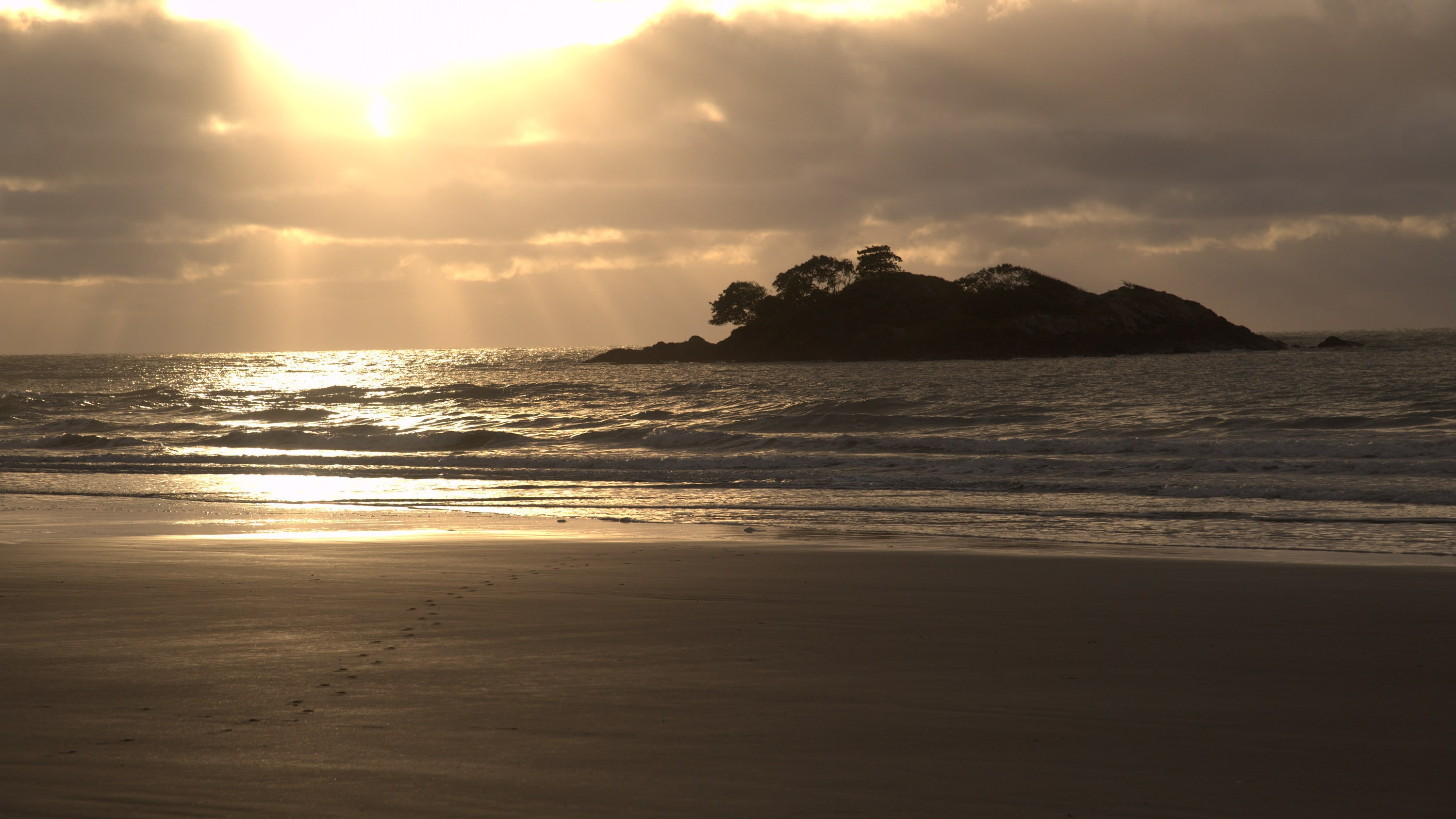 Sunrise as seen from North Stradbroke Island. (National Geographic for Disney+)