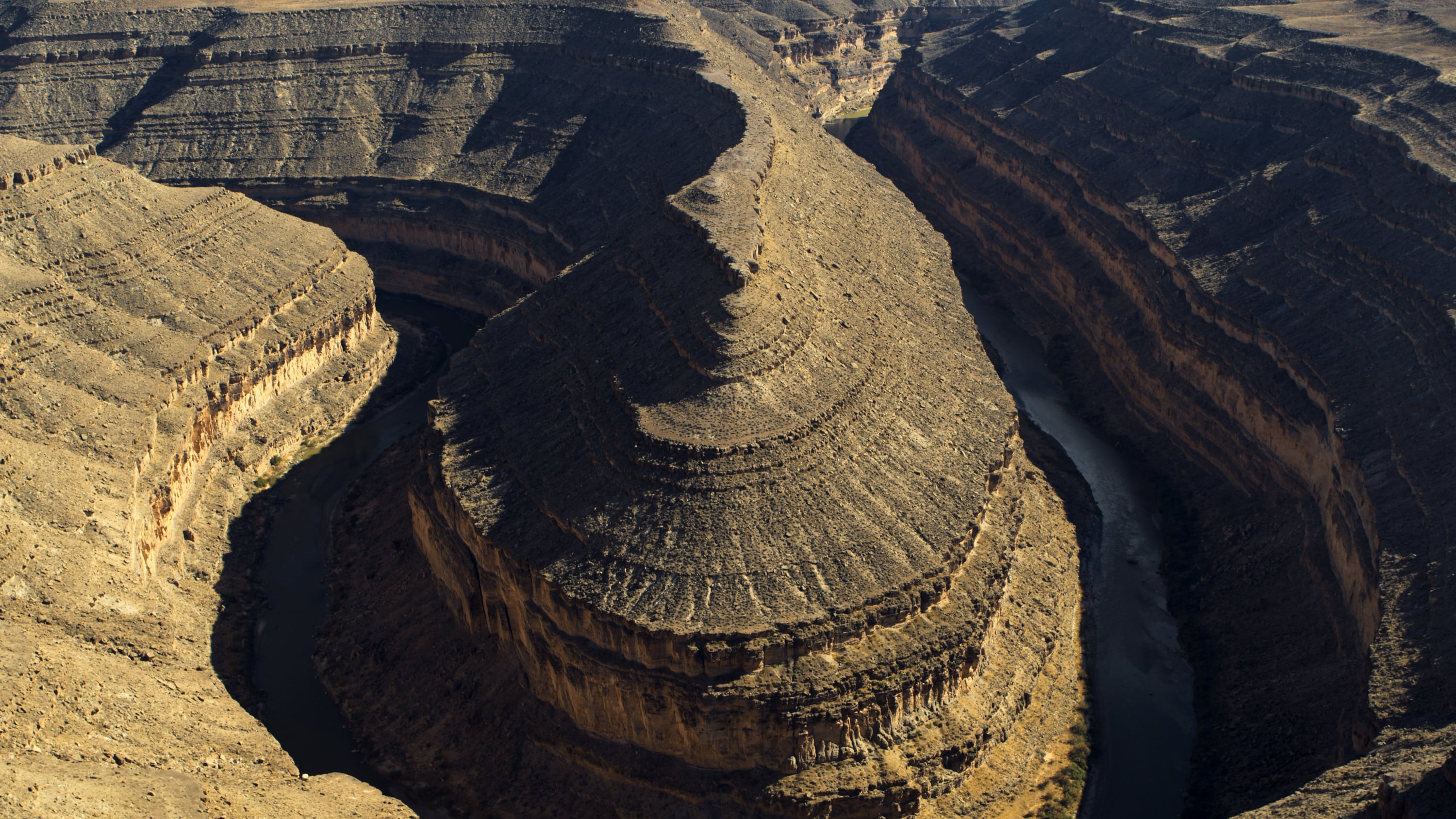 Looking down onto the San Juan River that snakes through Gooseneck State Park. (National Geographic for Disney+)