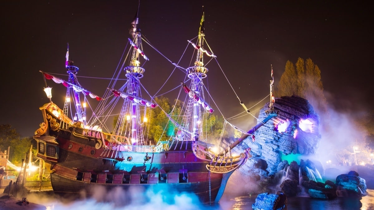 Pirate ship covered in lights at Disneyland Paris