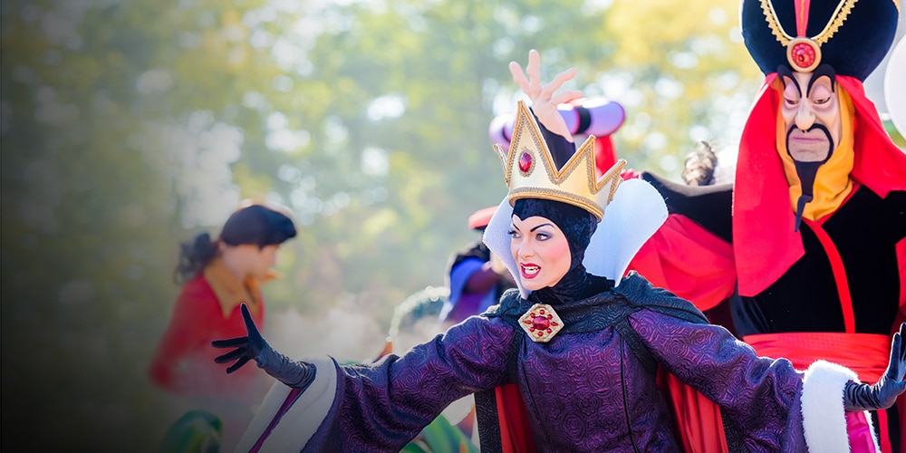 The Evil Queen, Jafar and the Queen of Hearts on stage