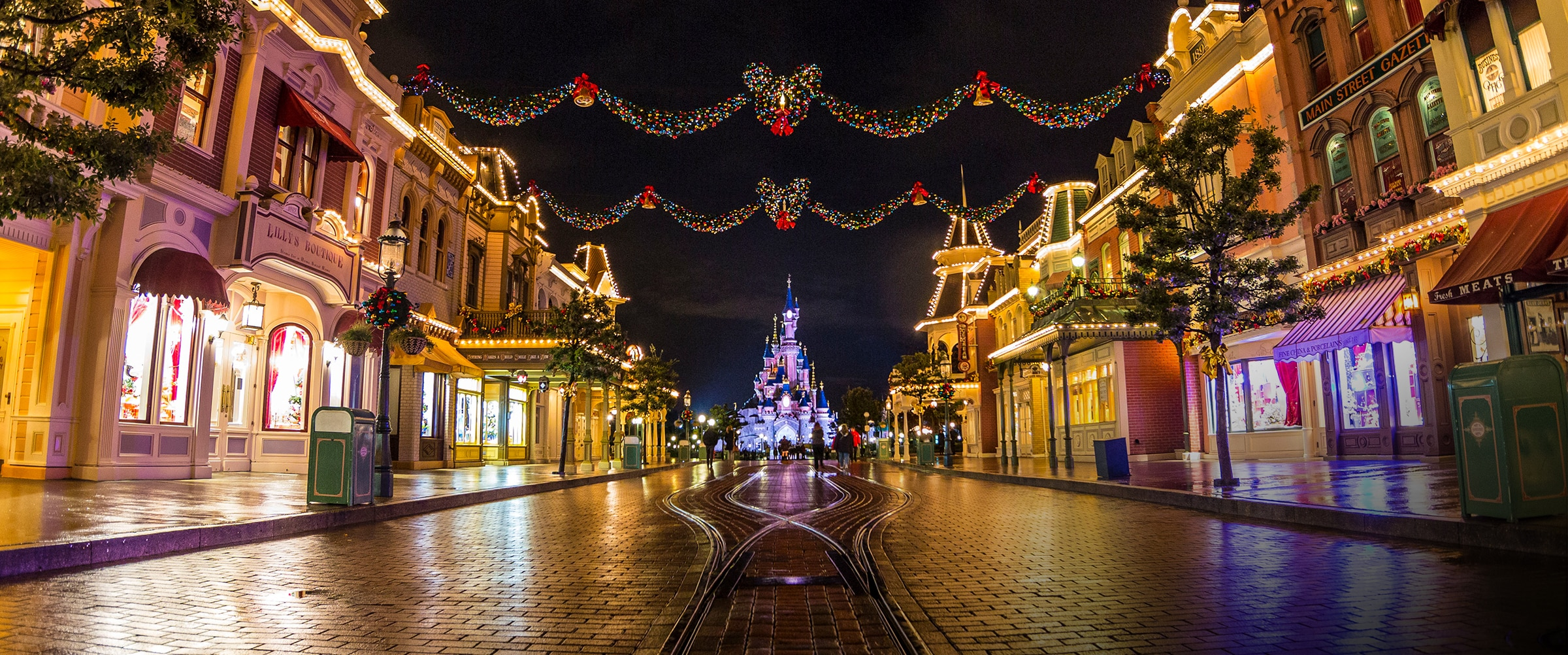 Celebrate Christmas at Disneyland Paris