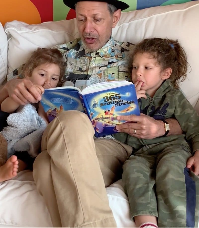 Jeff Goldblum reading a book to his chirldren