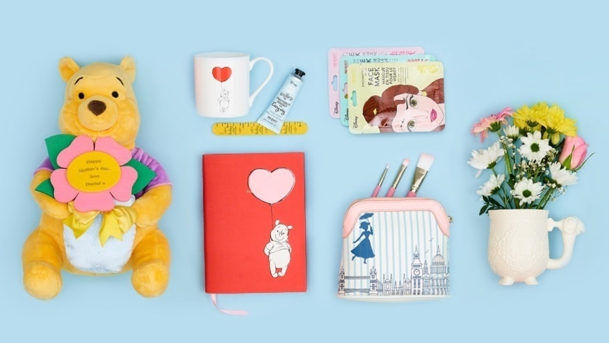 Eine Auswahl an Muttertagsgeschenken bei shopDisney