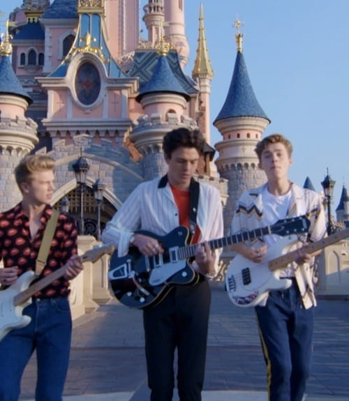 Se New Hope Club Move it for Mickey