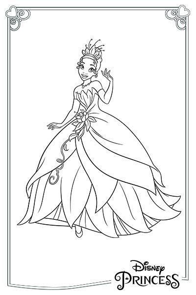 Tiana con un vestito elegante