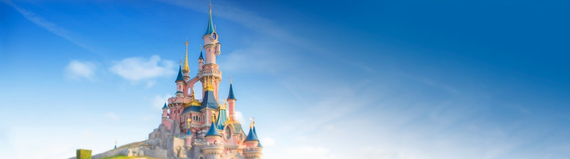 BOOK BILLETTER TIL DISNEYLAND® PARIS
