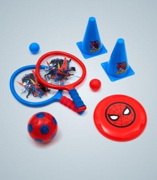 Ensemble de batte et balle inspirés par Spiderman, frisbee inspiré par Spiderman, football inspiré par Spiderman et cônes inspirés par Spiderman