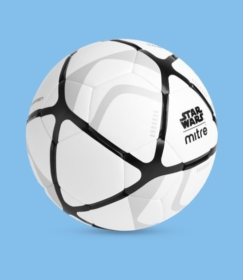 Von Stormtrooper inspirierter Fußball.