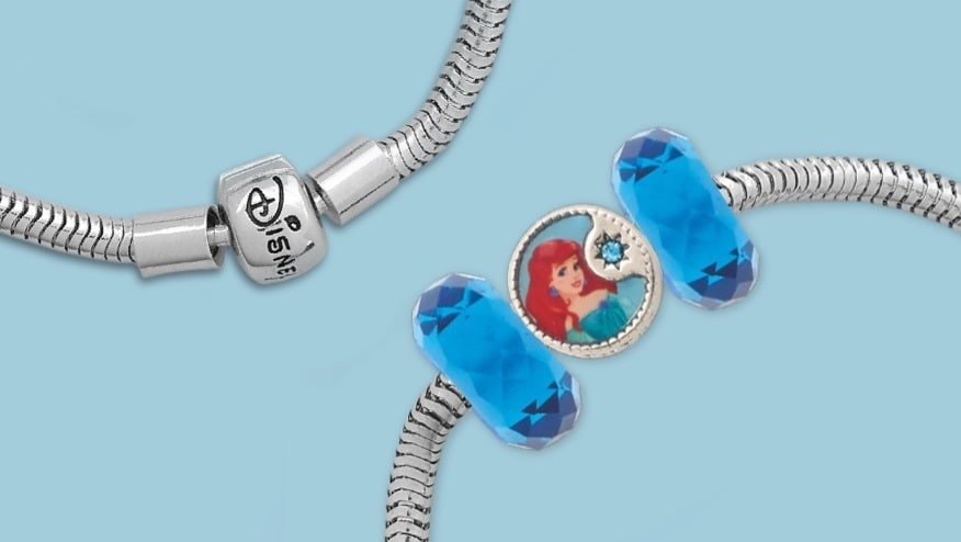 Bracelet with a blue charm inspired by Ariel