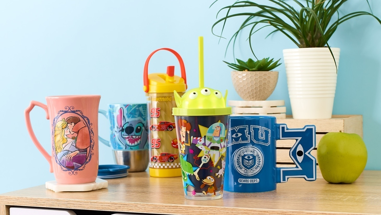 Tazze e tazze ispirate ai personaggi Disney, Marvel e Pixar