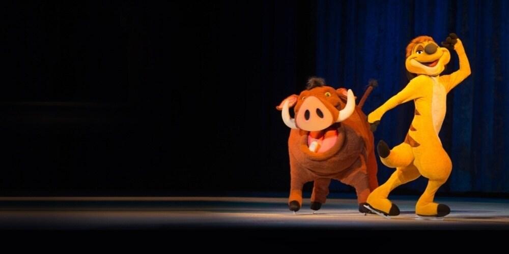 Timon en Pumbaa dansen op het ijs