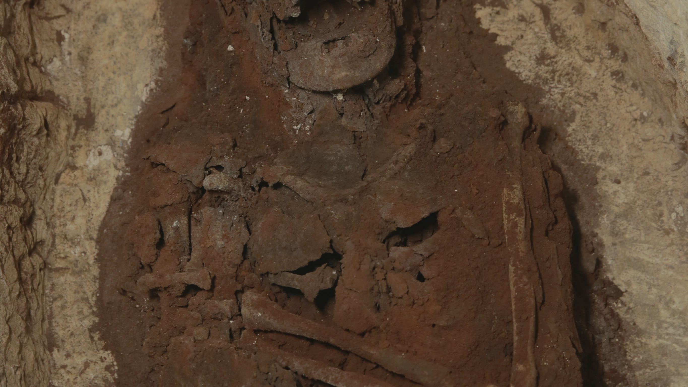 Episode 102 'The Lone Sarcophagus'