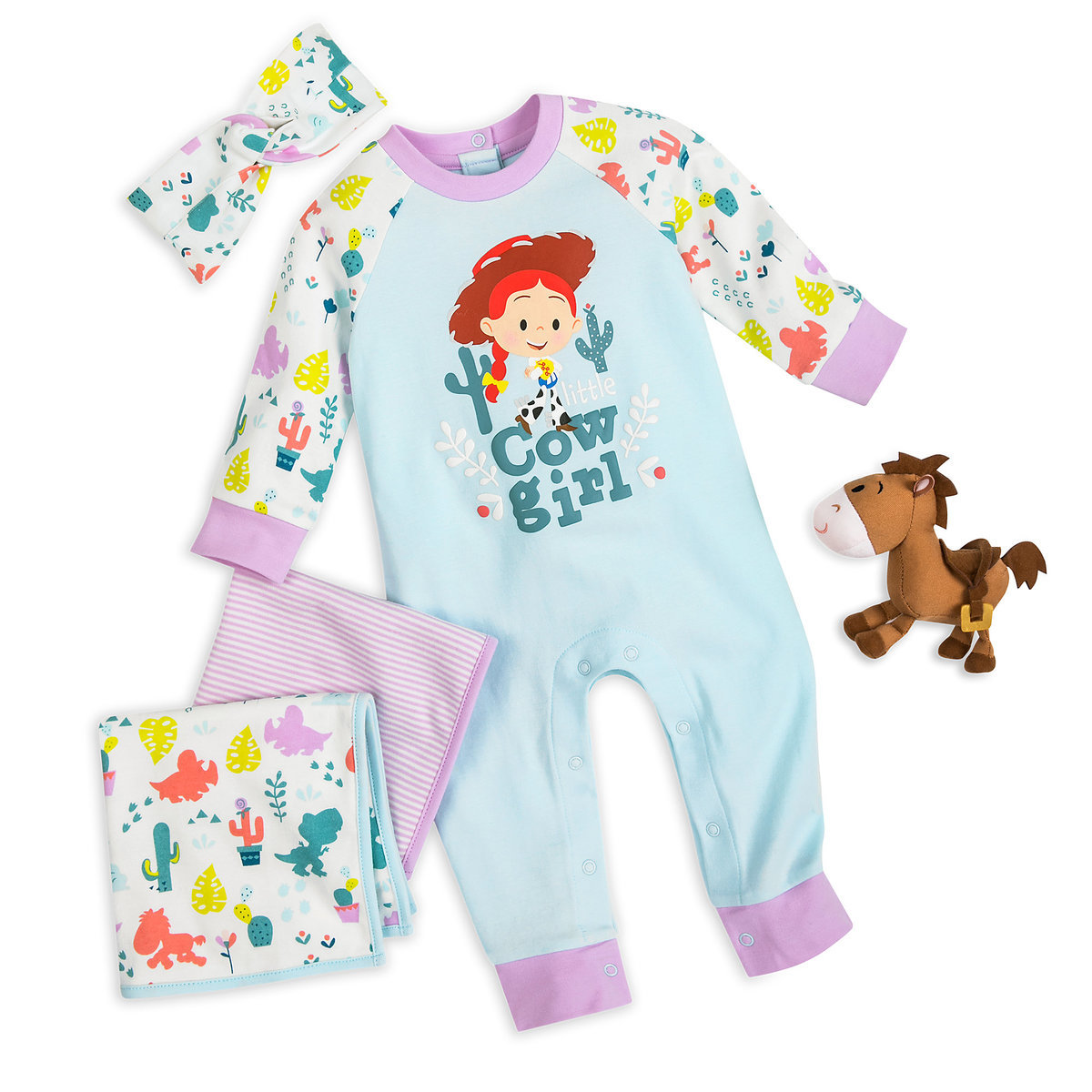 Top 25 Disney Gift Ideas for Babies featured by top US Disney blogger, Marcie and the Mouse: https://lumiere-a.akamaihd.net/v1/images/file_a75872c8.jpeg?width=1200&region=0%2C0%2C2000%2C2000