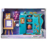 Image of Disney Animators' Collection Rapunzel's Artist Armoire Playset # 4