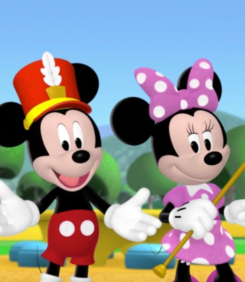 Mickey et Minnie faisant du sport
