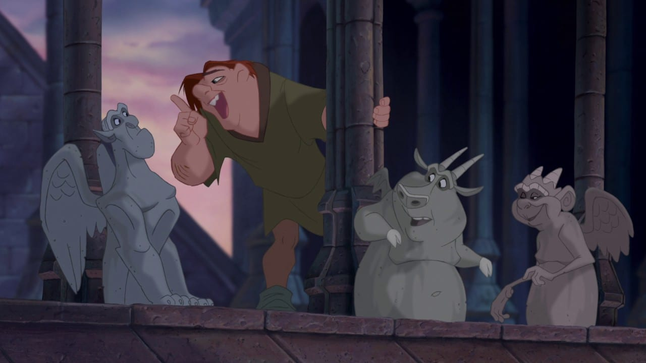 Quasimodo conversa com as gárgulas Victor, Hugo e Laverne