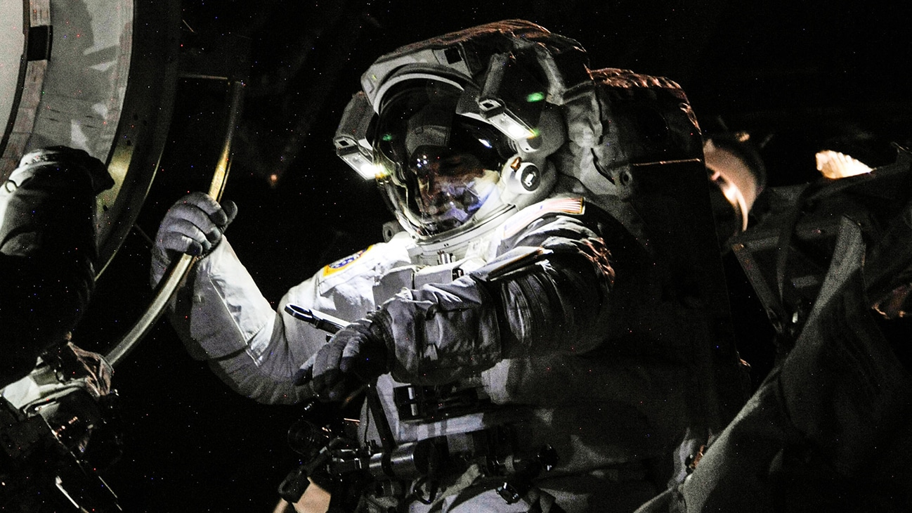 AMONG THE STARS - (16 July 2013) - NASA astronaut Chris Cassidy, Expedition 36 flight engineer, attired in an Extravehicular Mobility Unit (EMU) spacesuit, participates in a session of extravehicular activity (EVA) as work continues on the International Space Station. A little more than one hour into the spacewalk, European Space Agency astronaut Luca Parmitano (out of frame) reported water floating behind his head inside his helmet. The water was not an immediate health hazard for Parmitano, but Mission Control decided to end the spacewalk early. (NASA)