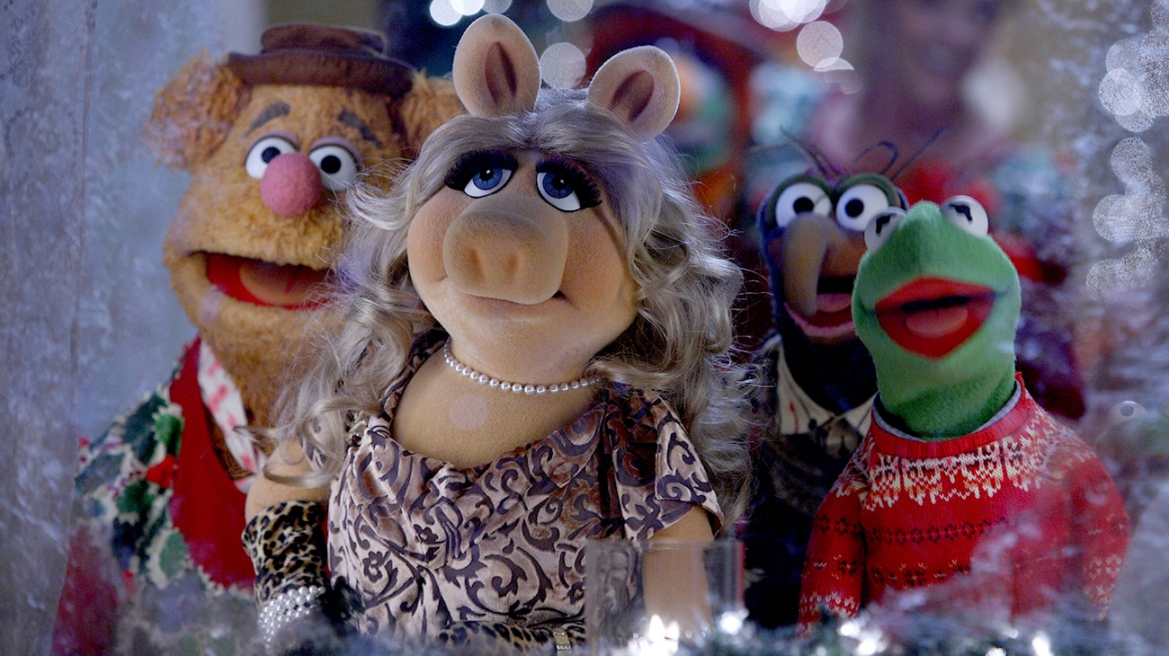 Fozzie Bear, Ms. Piggy, Gonzo, and Kermit the Frog