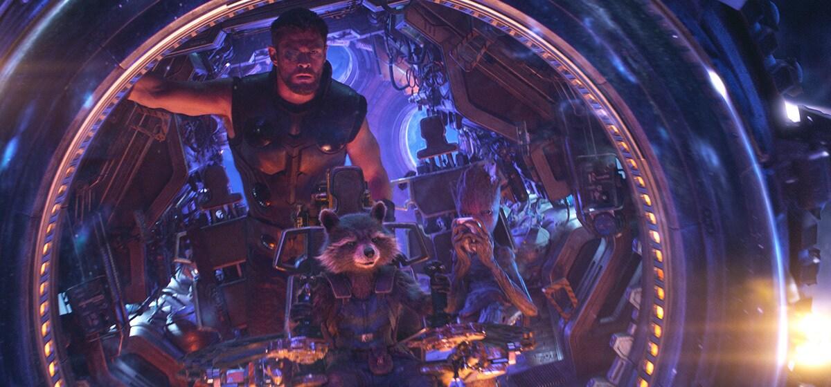 Chris Hemsworth as Thor and Bradley Cooper as Rocket in Avenergs: Infinity War