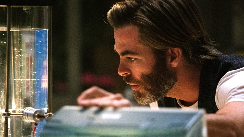 Chris Pine as Dr. Alex Murry in A Wrinkle in Time.
