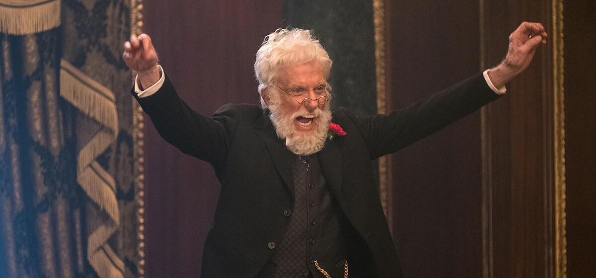 """Dick Van Dyke as Mr. Dawes, Jr. in """"Mary Poppins Returns"""""""