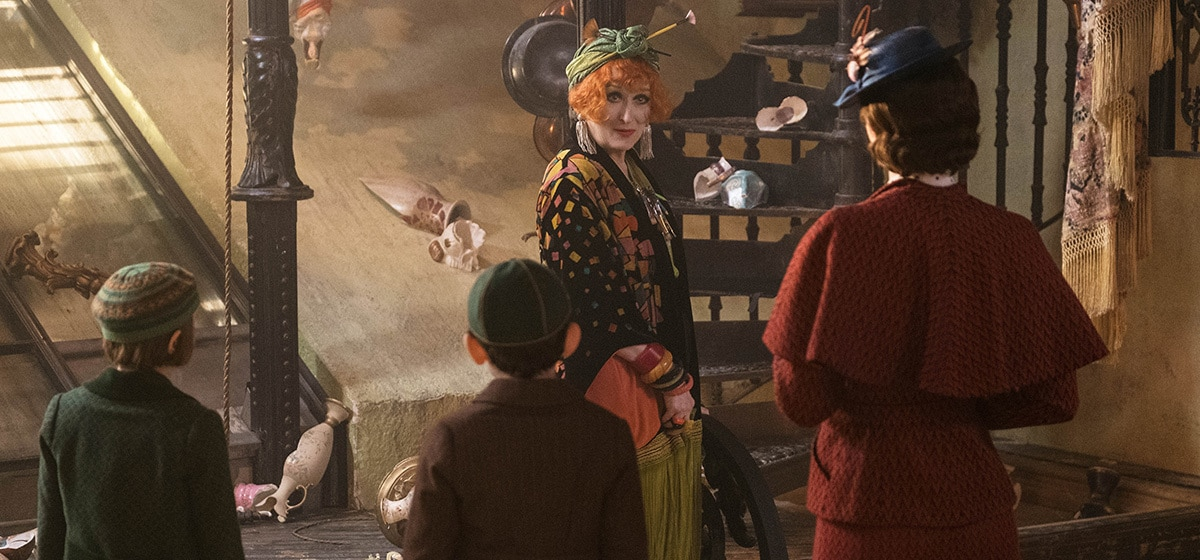 """Meryl Streep (Cousin Topsy) and Emily Blunt (Mary Poppins) in """"Mary Poppins Returns"""""""