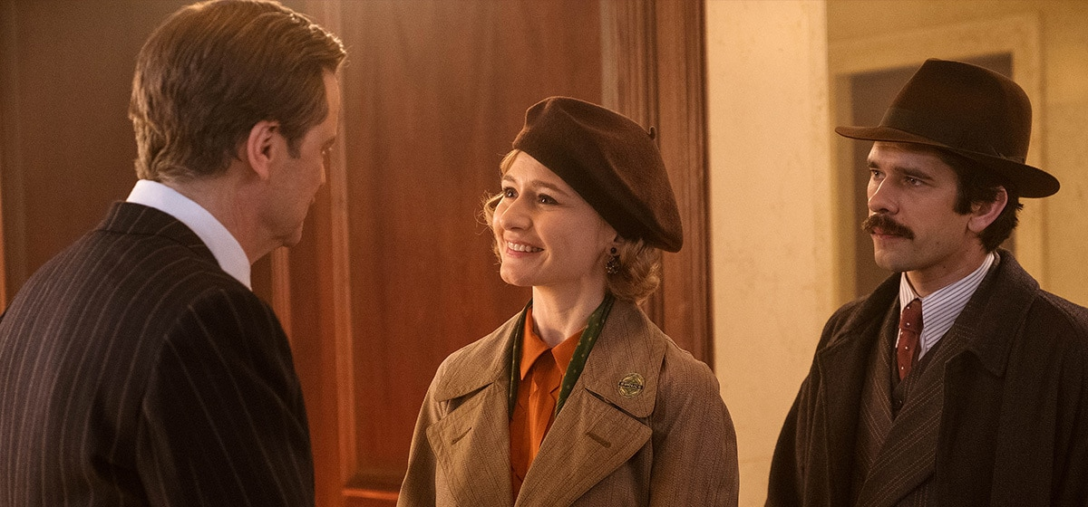 """Colin Firth (Wilkins), Emily Mortimer (Jane Banks), and Ben Whishaw (Michael Banks) in """"Mary Poppins Returns"""""""