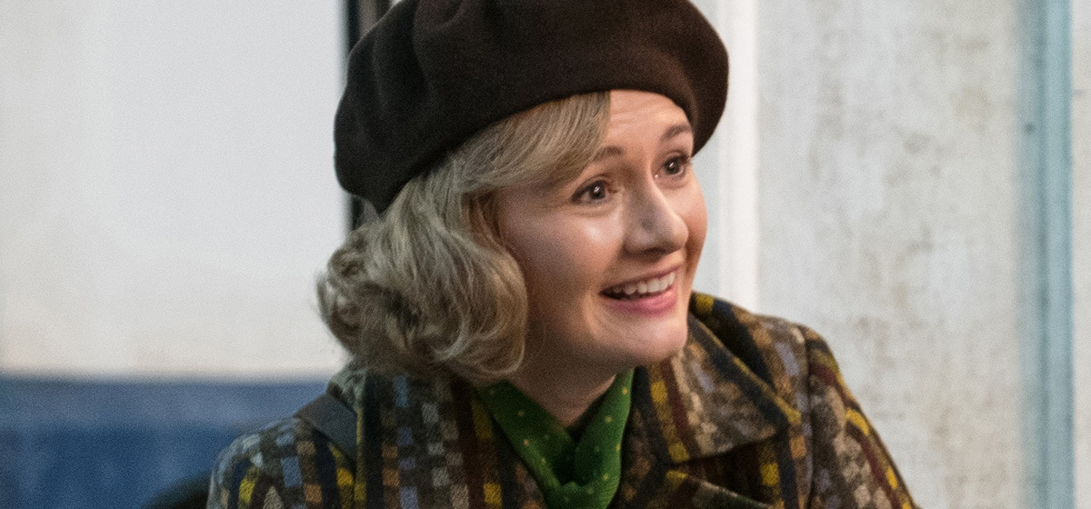 """A happy Emily Mortimer (Jane Banks) in """"Mary Poppins Returns"""""""