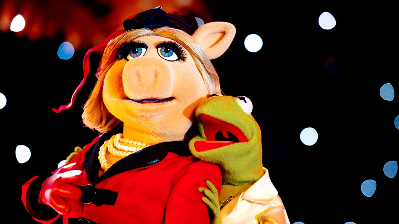 """Miss Piggy and Kermit in """"Muppets Most Wanted"""""""