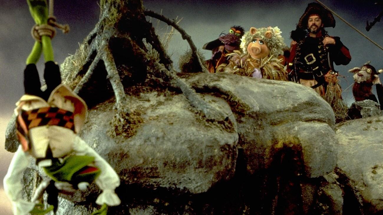 "Kermit, Miss Piggy and Tim Curry in ""Muppet Treasure Island"""