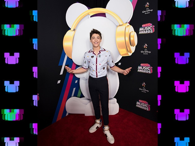 Andi Mack's Asher Angel hanging out with ARDY on the RDMA red carpet