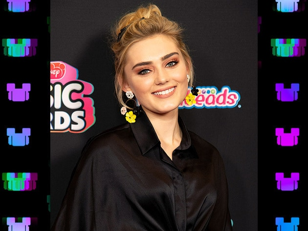 Zombies star Meg Donnelly brings cheer to the red carpet!