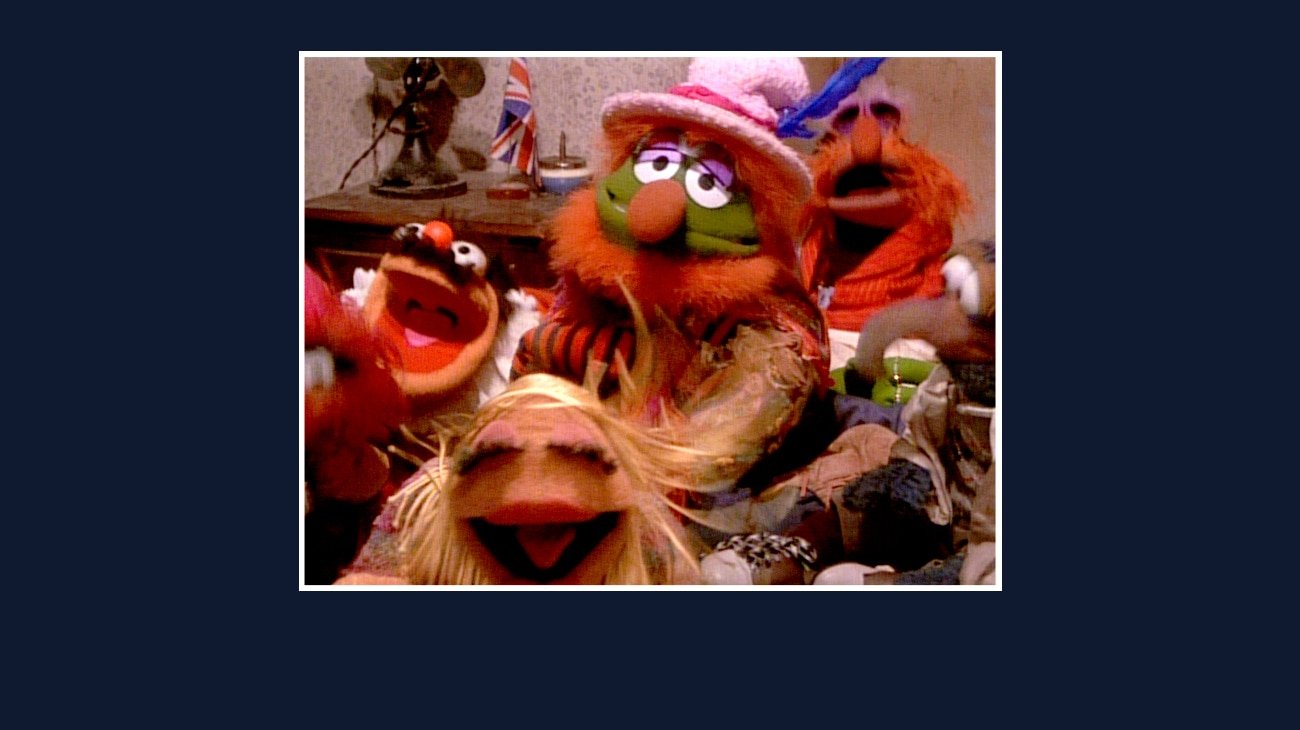 Dr. Teeth, Floyd Pepper, Janice, Gonzo, Animal, and Lew Zealand from the Disney movie The Great Muppet Caper.