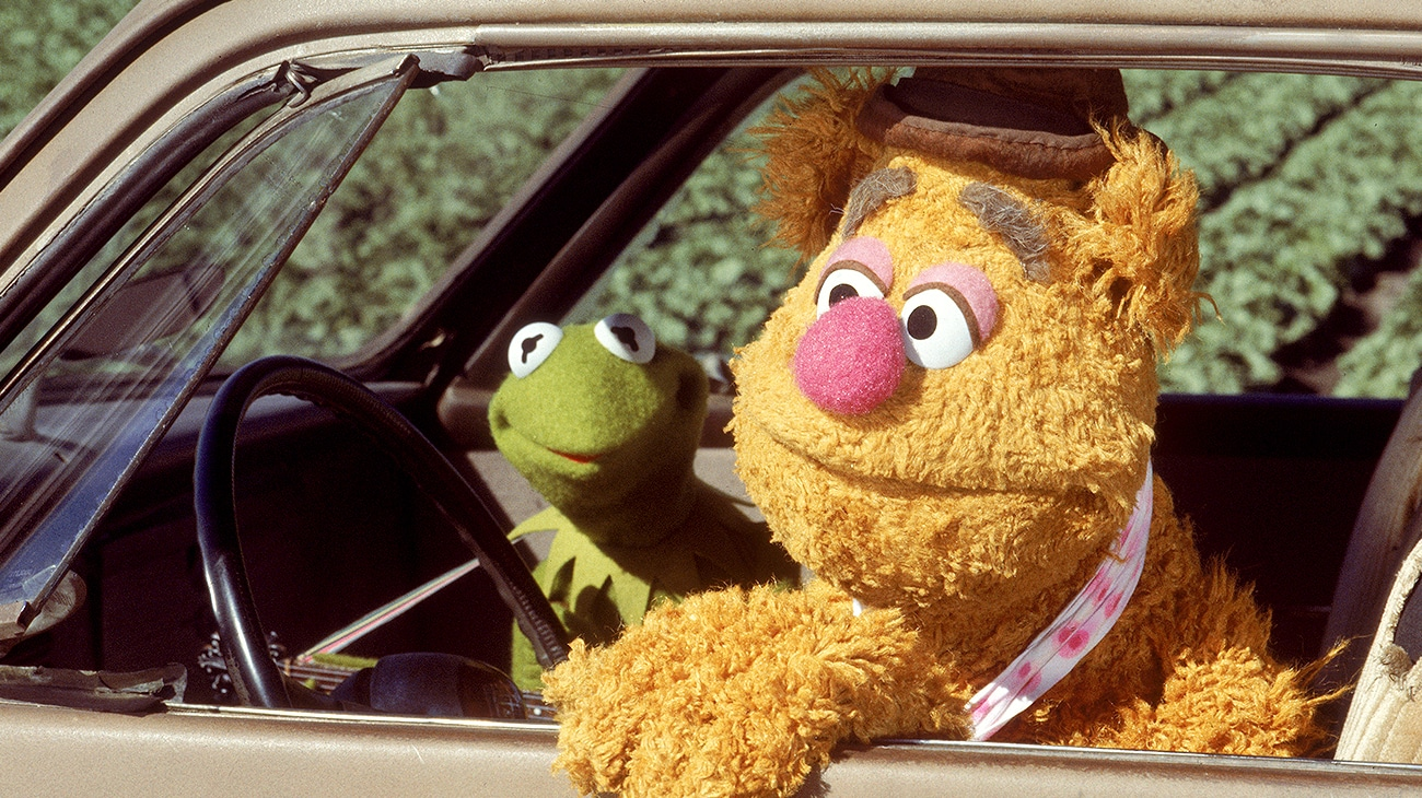 Fozzie the Bear and Kermit the Frog in a car in The Muppet Movie