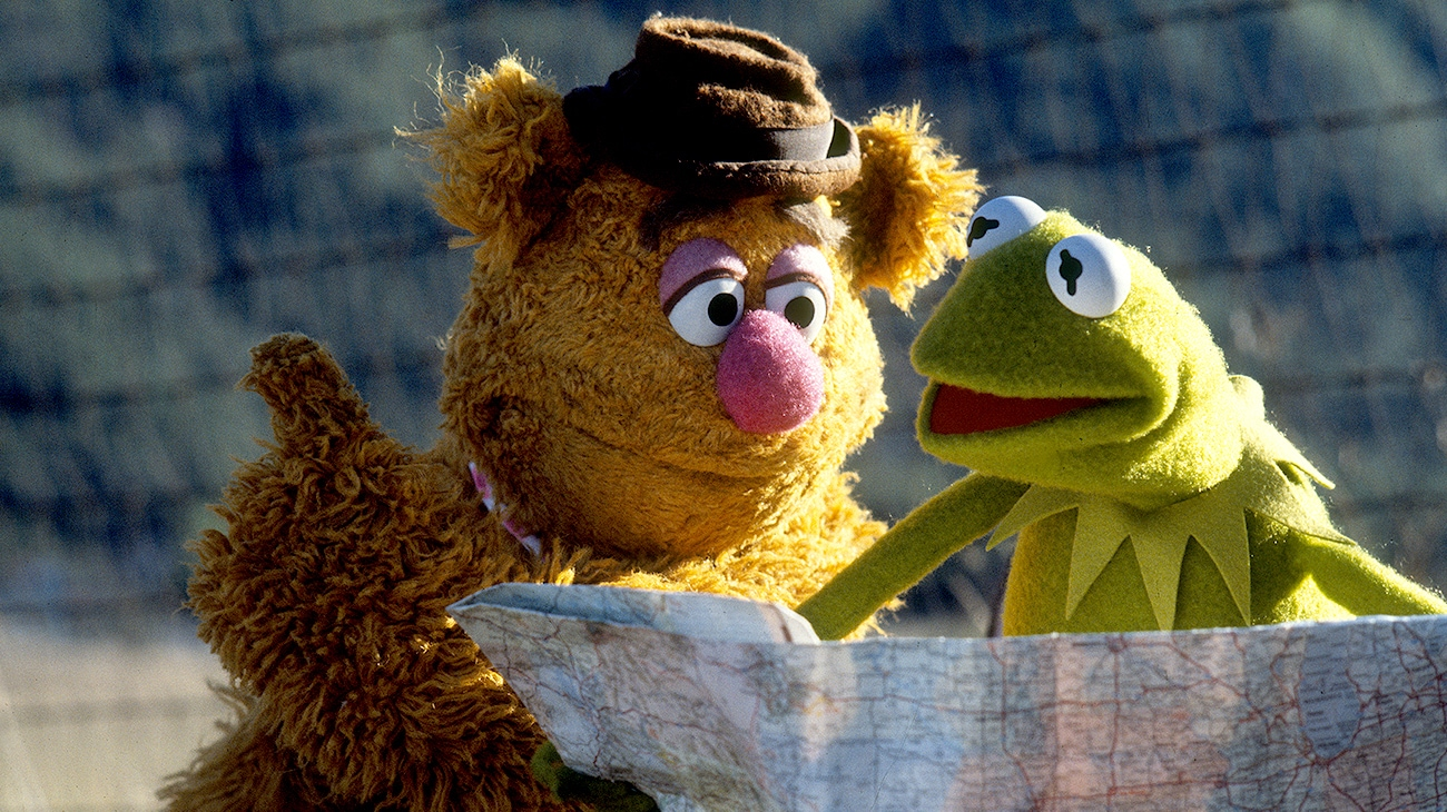 Fozzie the Bear and Kermit the Frog looking at a map in The Muppet Movie