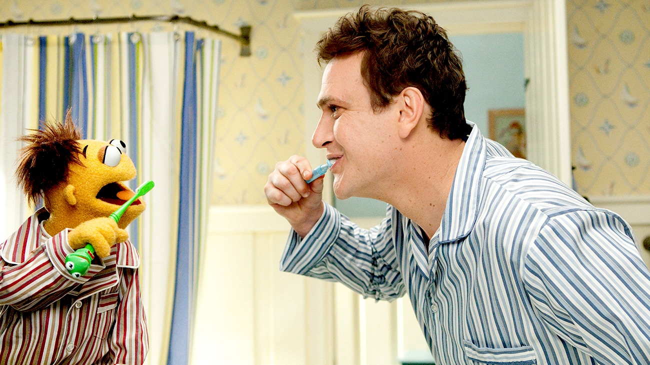 Jason Segel as Gary Brushing his teeth in the movie The Muppets