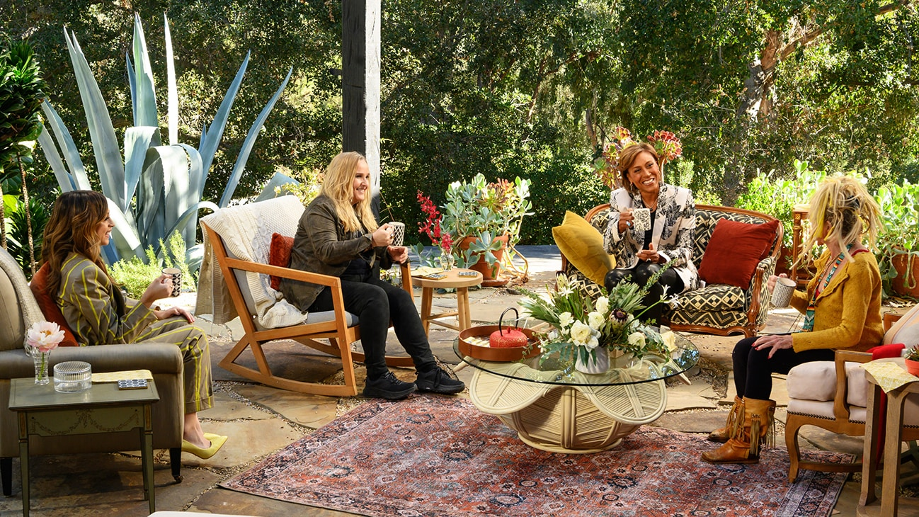 """TURNING THE TABLES WITH ROBIN ROBERTS - """"Episode 102"""" - Melissa Etheridge, Betsy Johnson, Josie Totah. (Disney/Richard Harbaugh) JOSIE TOTAH, MELISSA ETHERIDGE, ROBIN ROBERTS, BETSY JOHNSON"""