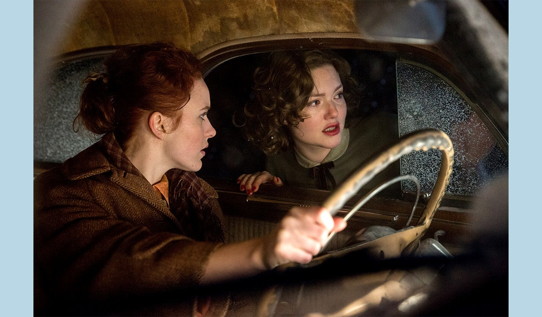 """Angela Hope Smith and Holliday Grainger in the movie """"The Finest Hours"""""""