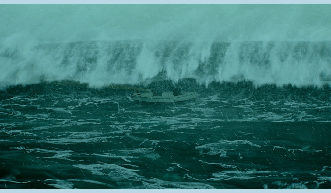 """Extremely large wave approaching the ship in the movie """"The Finest Hours"""""""