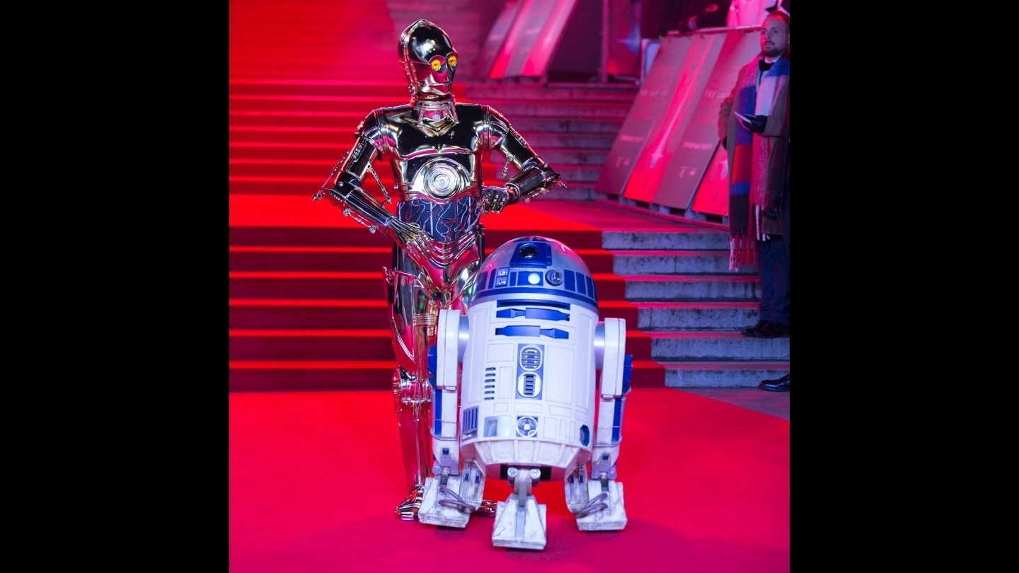 C-3PO and R2-D2 on the red carpet at the Star: Wars The Last Jedi premiere