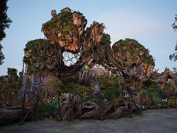 Joe Rohde and Jon Landau Celebrate the Third Anniversary of Pandora – The World of Avatar at Disney's Animal Kingdom