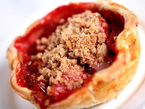 Flo's V-8 Café Strawberry-Rhubarb Pie Recipe