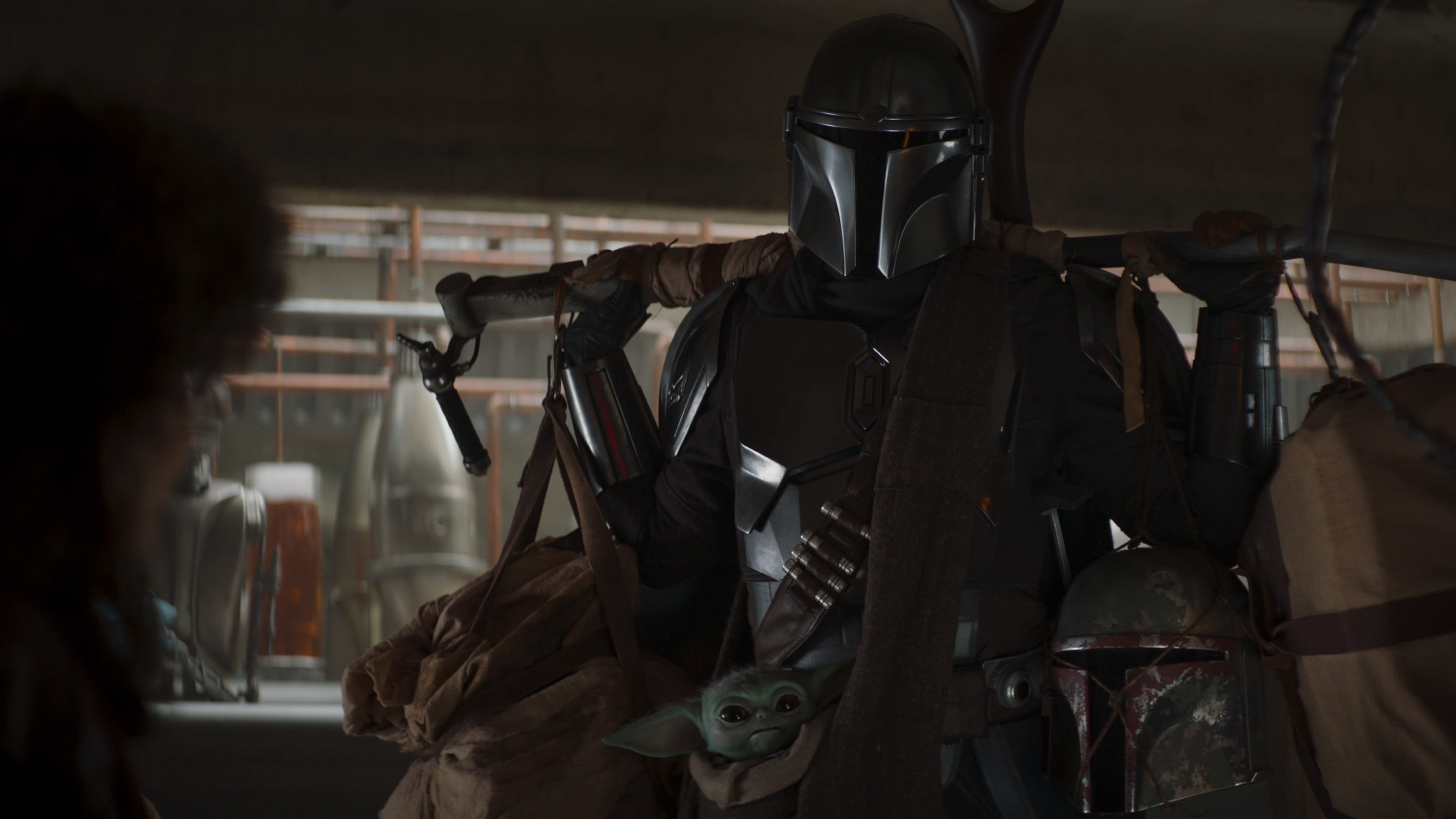 (L-R): Peli Motto (Amy Sedaris), the Mandalorian (Pedro Pascal) and The Child in Lucasfilm's THE MANDALORIAN, season two, exclusively on Disney+. © 2020 Lucasfilm Ltd. & ™. All Rights Reserved.