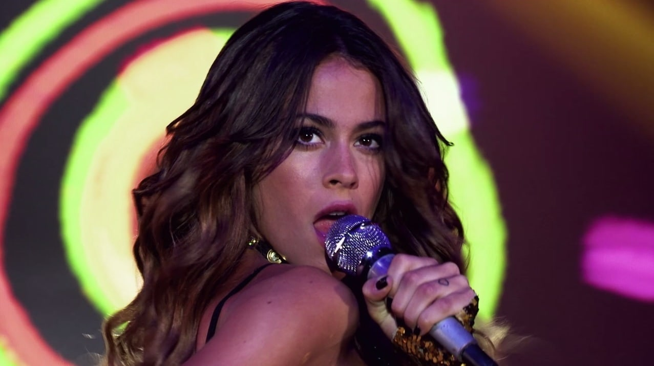 Tini Stoessel cantando en Soy Luna - Participación especial