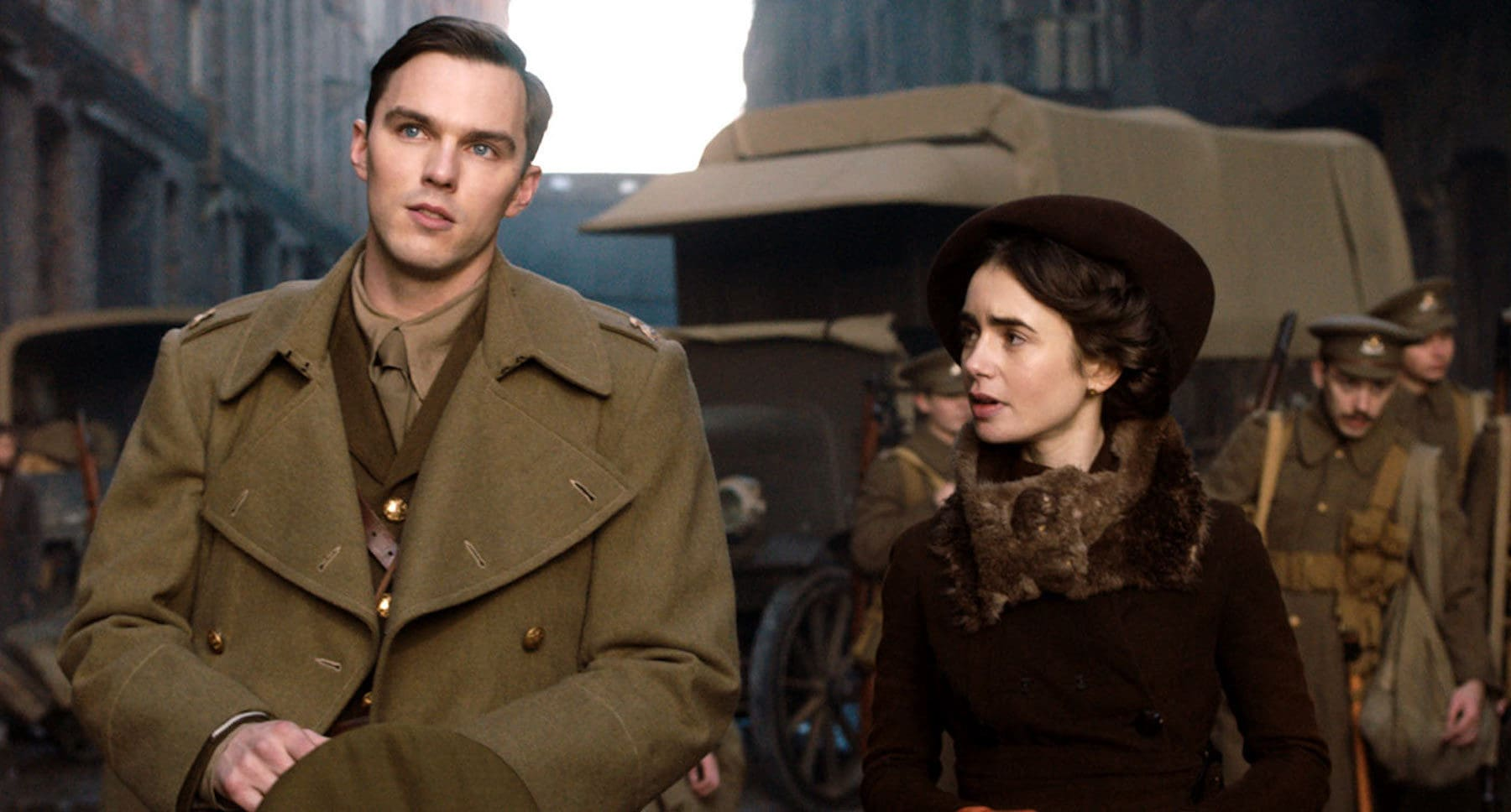 """Nicholas Hoult and Lily Collins amongst soldiers in """"Tolkien"""""""