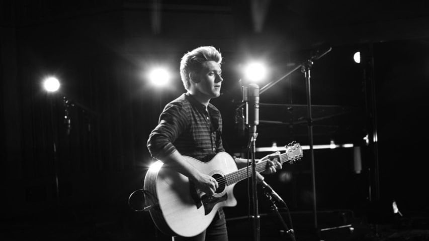 """This Town (Live, 1 Mic 1 Take)"" - Niall Horan"