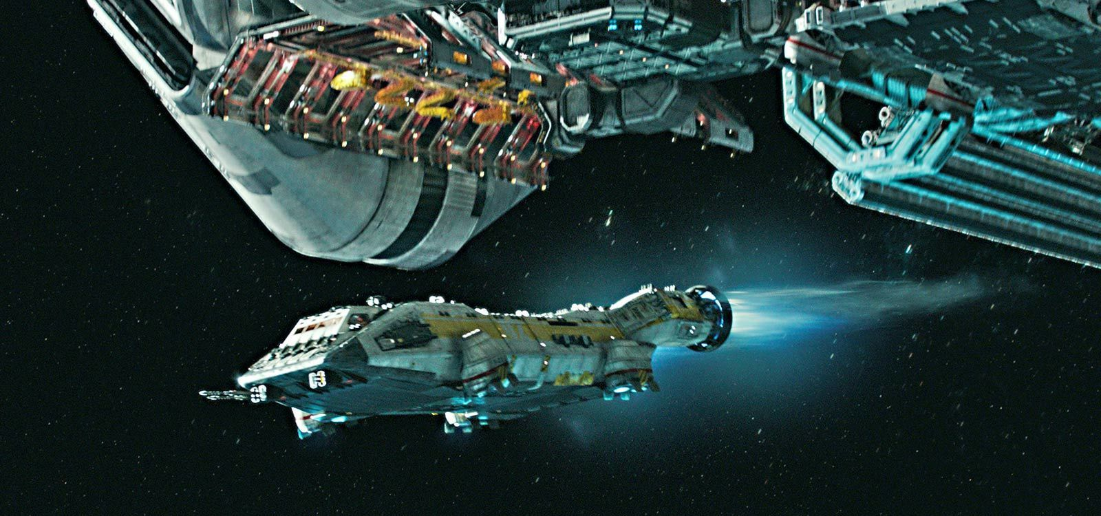 "Spacecrafts flying in the movie ""Alien: Covenant"""